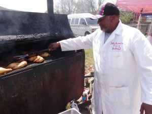 Melvin now lifts tantalizing barbecue instead of transmissions. (Photo: Tom Adkinson)